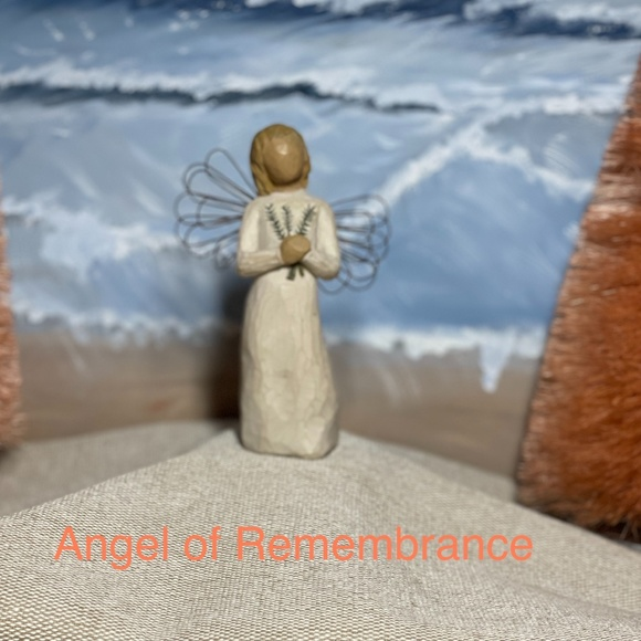 Willow Tree DEMIDACO - Angel of Remembrance
